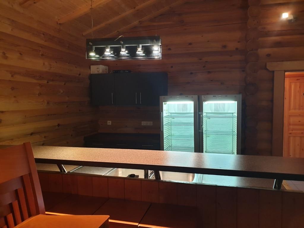 Thekenbereich der Grillhütte Argenthal